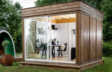 Bespoke product Office in Garden cube